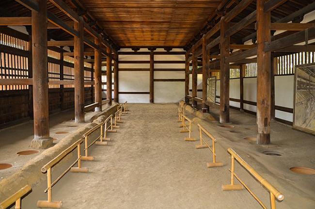 Ngắm nhìn 10 công trình nhà vệ sinh kì quặc nhất ở Nhật Bản - Ảnh 17.