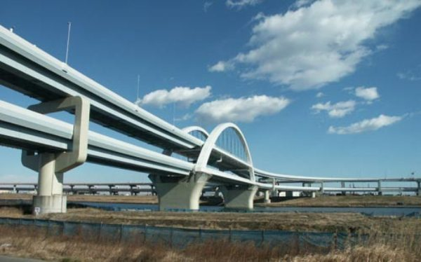 Không phải photoshop đâu, đây chính là công trình giao thông thứ thiệt tại Nhật Bản đấy - Ảnh 7.