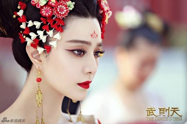 """""""Thắng Thiên Hạ"""" của Phạm Băng Băng sẽ là """"Võ Mị Nương"""" thứ hai? - Ảnh 9."""