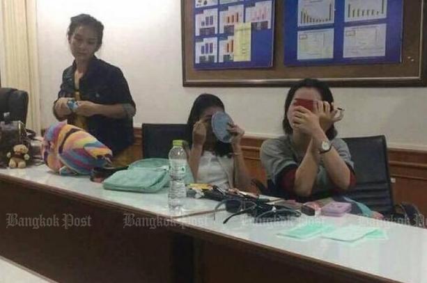 Nụ cười lạnh người và màn trang điểm khó hiểu của 3 nữ nghi phạm vụ giết người gây rúng động Thái Lan 5