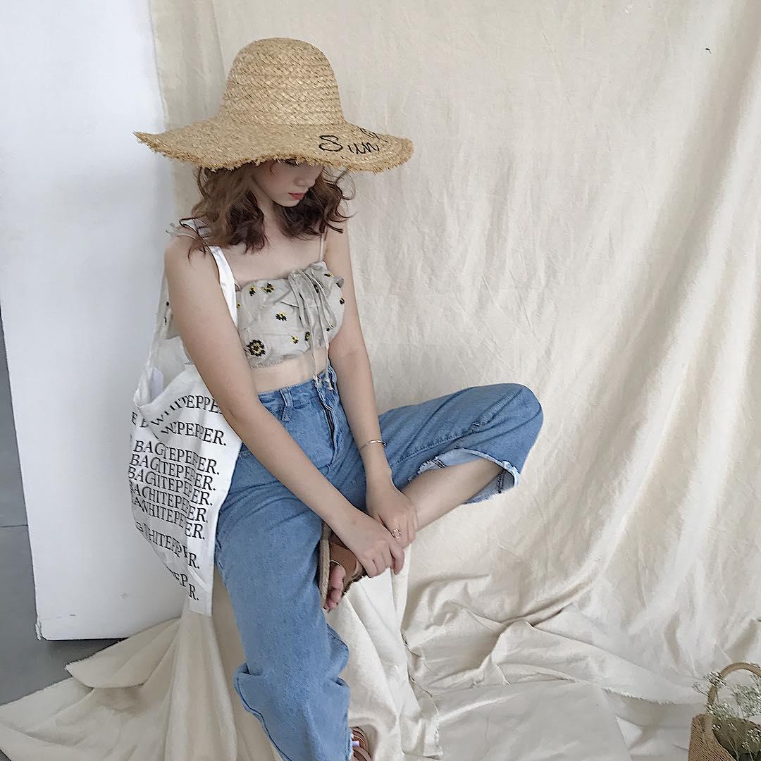 Thời trang: Áo giấu quần xưa lắm rồi, con gái bây giờ ai cũng chuyển sang mặc áo dài 1 gang tay