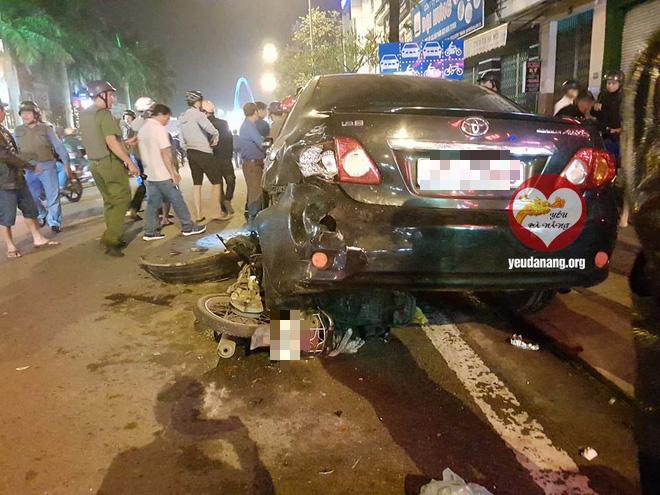 Đà Nẵng: Nữ tài xế đâm liên hoàn 3 xe trên đường rồi đạp ga chạy mất - ảnh 1