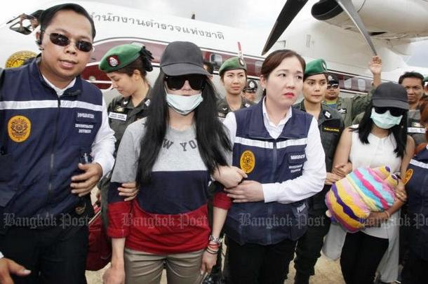 Nụ cười lạnh người và màn trang điểm khó hiểu của 3 nữ nghi phạm vụ giết người gây rúng động Thái Lan 2