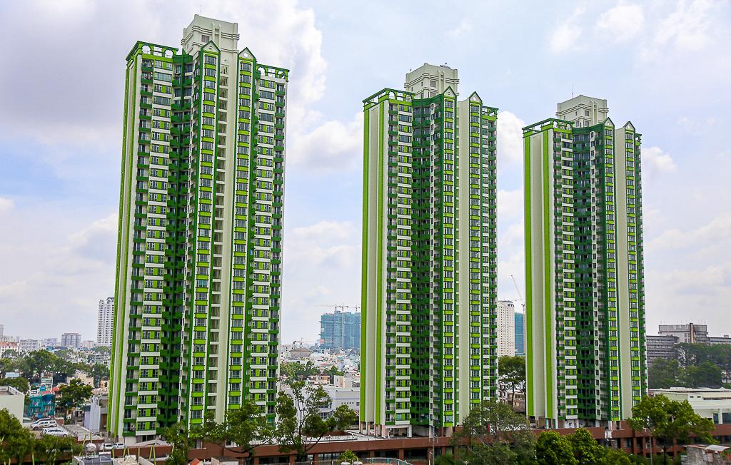 """Sau 20 năm bỏ hoang với những lời đồn đoán rùng rợn, Thuận Kiều Plaza đã """"hồi sinh"""" và sầm uất đến nhường này - Ảnh 1."""