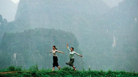 Tự hào Việt Nam mình đẹp đến thế này trong những thước phim nước ngoài! - Ảnh 16.