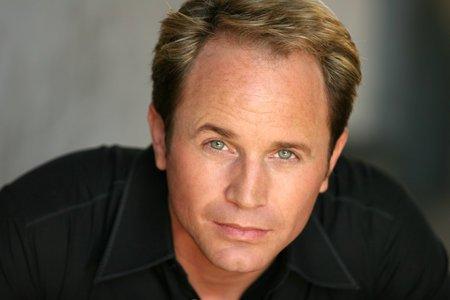 David Yost, diễn viên thủ vai Siêu nhân Xanh cảm thấy hứng khởi khi Power Rangers có một siêu nhân đồng tính - Ảnh 4.