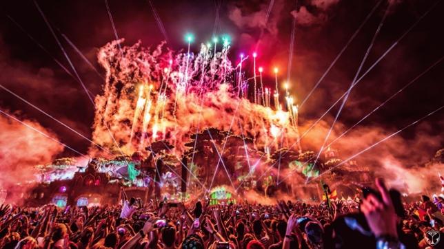 Những con số ấn tượng trong đại tiệc EDM Armin Van Buuren by VinaPhone - Ảnh 1.