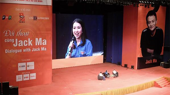 Tỷ phú Jack Ma và cuộc đối thoại đầy cảm hứng với các bạn trẻ Việt - Ảnh 3.