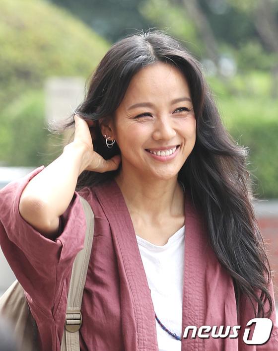Đẳng cấp nhan sắc của Lee Hyori: Mặc đồ nhăn nhúm vẫn đẹp như nàng tiên - Ảnh 5.