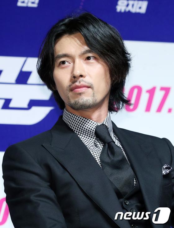 Mỹ nam năm nào Hyun Bin gây sốc vì râu ria xồm xoàm, cựu gương mặt đẹp nhất thế giới vẫn đẹp dù giản dị - Ảnh 2.