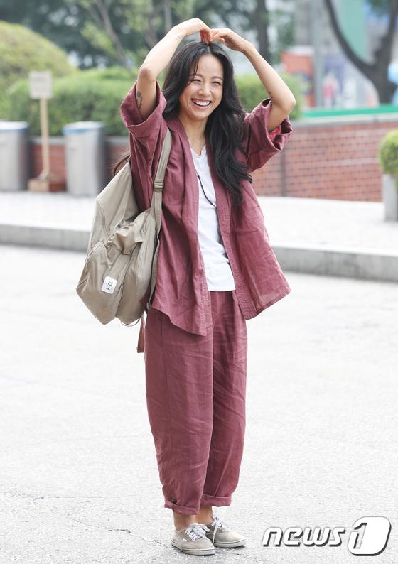 Đẳng cấp nhan sắc của Lee Hyori: Mặc đồ nhăn nhúm vẫn đẹp như nàng tiên - Ảnh 9.