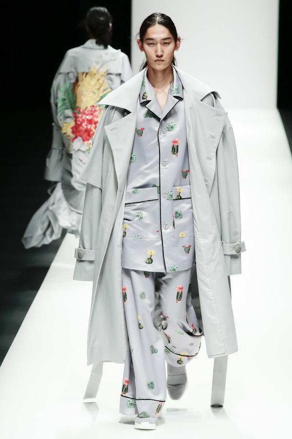 BST mới của NTK Công Trí tại Tokyo Fashion Week: Trước cái đẹp, bạn chỉ còn biết Wow lên một tiếng!!! - Ảnh 25.