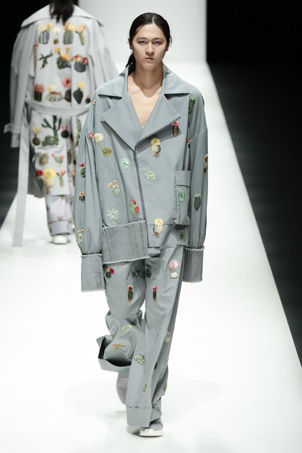 BST mới của NTK Công Trí tại Tokyo Fashion Week: Trước cái đẹp, bạn chỉ còn biết Wow lên một tiếng!!! - Ảnh 5.