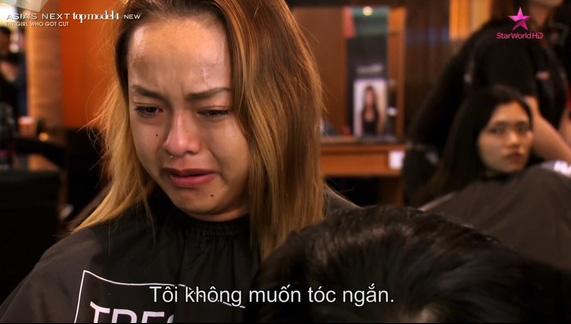 Cô gái gân cổ cãi tay đôi với Minh Tú tại Next Top châu Á là ai? - Ảnh 4.