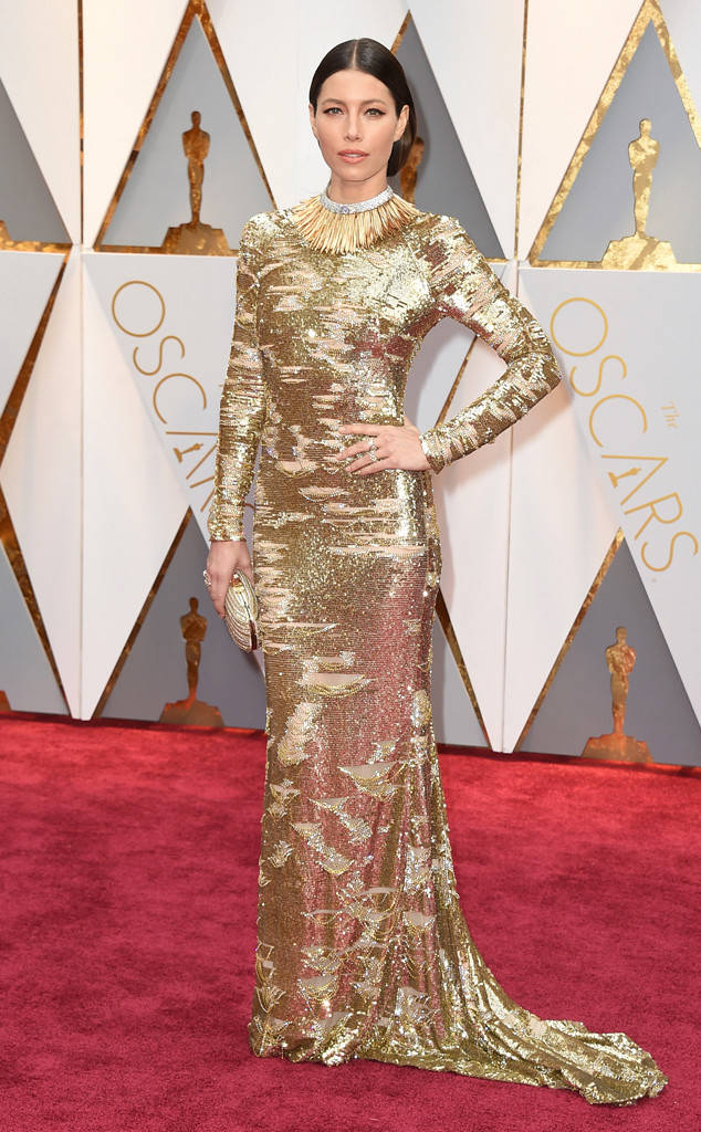 Oscar 2017: Bên cạnh loạt váy áo đẹp lộng lẫy cũng không thiếu những bộ làm tụt cảm xúc - Ảnh 4.