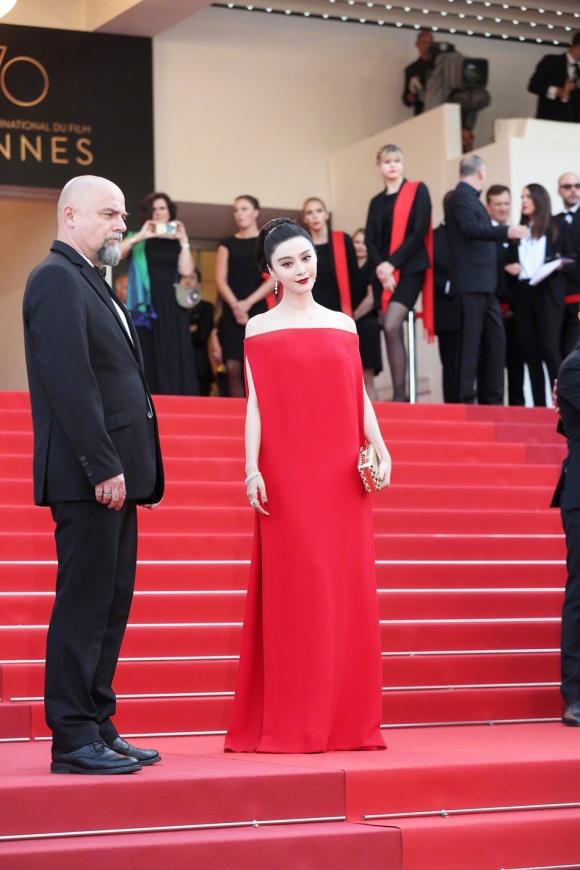 Phạm Băng Băng đã chịu lấy lại phong độ, đẹp không thua kém Elle Fanning trên thảm đỏ Cannes - Ảnh 5.