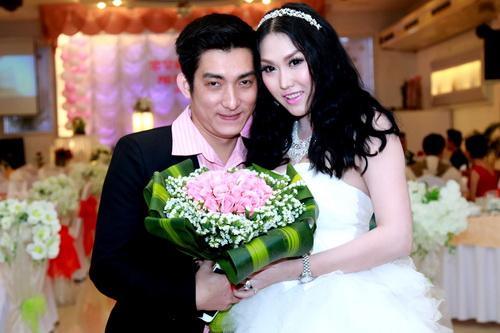 Trước khi ly hôn, vợ chồng Phi Thanh Vân đã yêu nhau hạnh phúc và cũng lắm ồn ào thế này! - Ảnh 5.