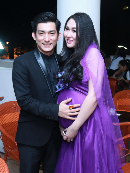 Trước khi ly hôn, vợ chồng Phi Thanh Vân đã yêu nhau hạnh phúc và cũng lắm ồn ào thế này! - Ảnh 7.