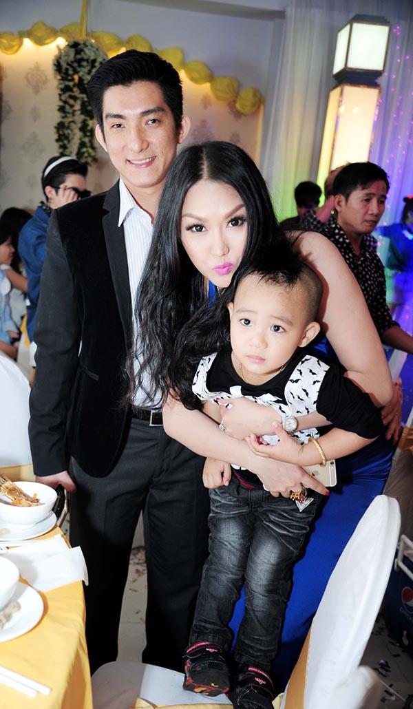 Trước khi ly hôn, vợ chồng Phi Thanh Vân đã yêu nhau hạnh phúc và cũng lắm ồn ào thế này! - Ảnh 9.