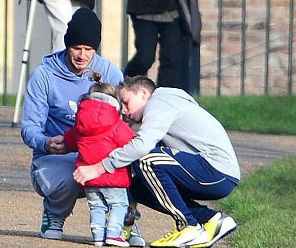 Harper Beckham: Công chúa tí hon trong vòng tay bố khiến cả thế giới phát cuồng giờ đã thành cô bé 6 tuổi phổng phao! - Ảnh 22.