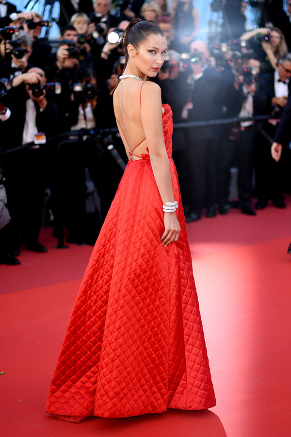 Hoa hậu Aishwarya Rai đẹp như Lọ Lem, chặt chém dàn mỹ nhân trên đấu trường nhan sắc Cannes! - Ảnh 12.