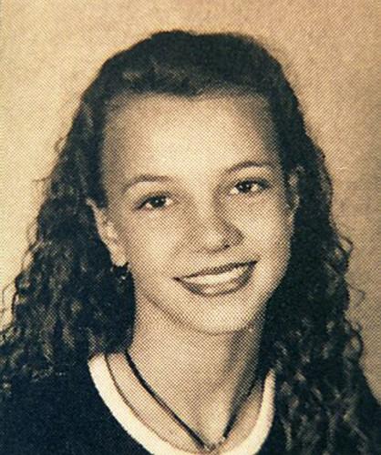 Britney Spears khi còn là nữ sinh đã trông khá già dặn