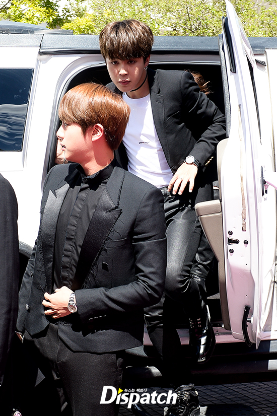 BTS cuối cùng đã trở thành nhóm nhạc Kpop đầu tiên thắng giải tại Billboard Music Awards! - Ảnh 12.