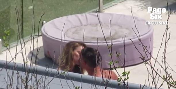 Chia tay tỷ phú, Amber Heard chuyển sang hẹn hò diễn viên cơ bắp 6 múi - Ảnh 4.