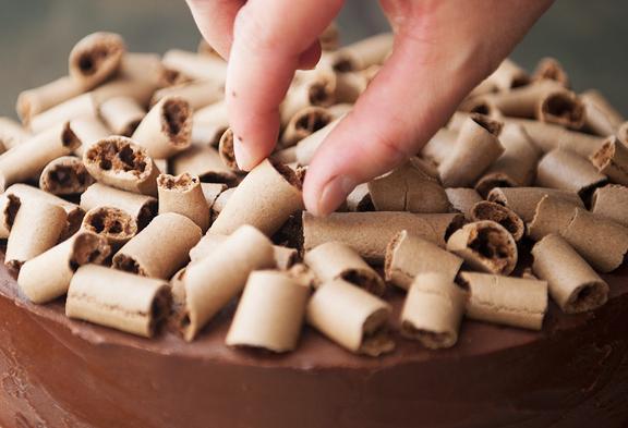 """Bánh gateaux chocolate """"giòn tan"""" lạ miệng chẳng cần đến bột mì - Ảnh 8."""