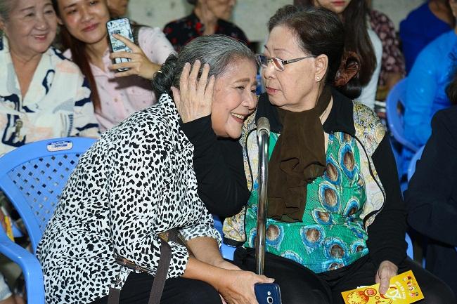 An Nguy, Trấn Thành không kìm được nước mắt trong buổi chúc tết các nghệ sĩ già - Ảnh 4.