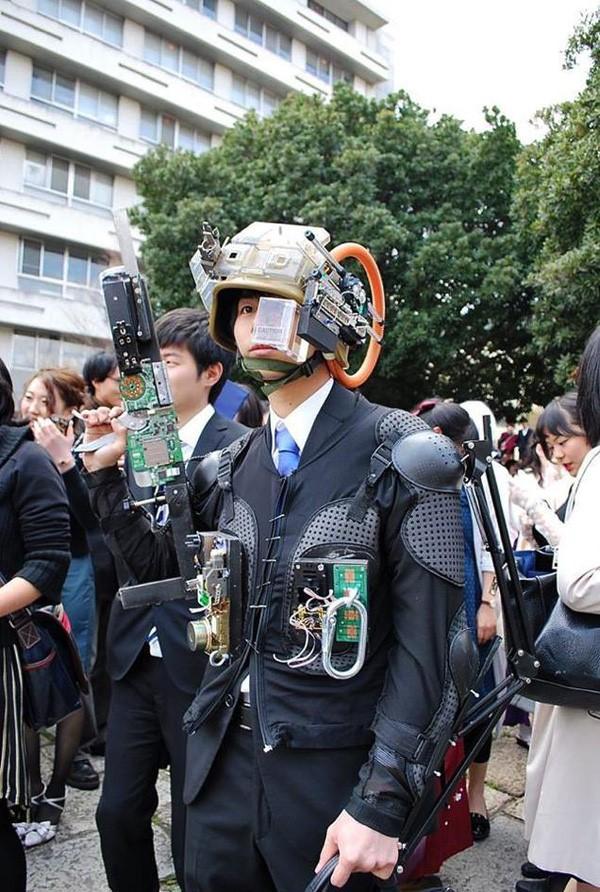 Ngày tốt nghiệp không khác gì lễ hội cosplay của sinh viên Nhật Bản! - ảnh 2
