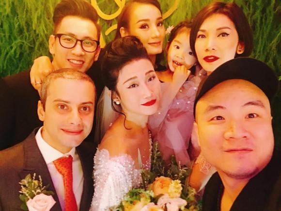 Vợ chồng Lê Thúy cùng Xuân Lan rạng rỡ tham dự đám cưới của Kha Mỹ Vân và chồng Tây - Ảnh 7.