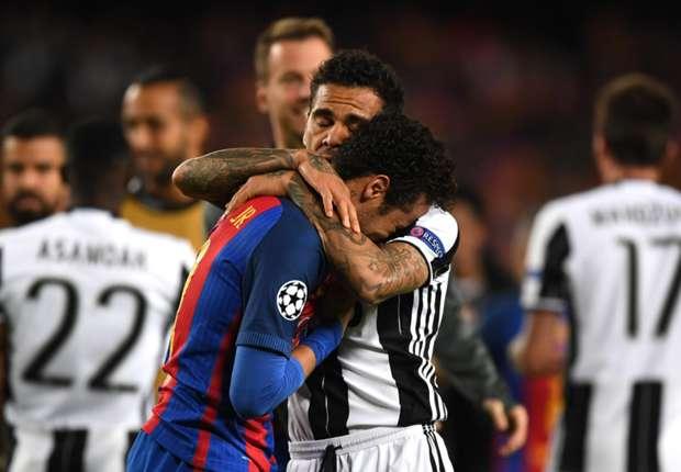 Alves nói gì với Neymar khi chứng kiến đàn em khóc như mưa? - Ảnh 1.
