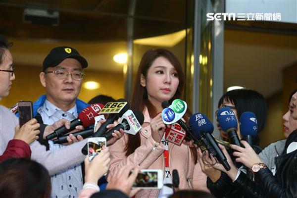 Helen Thanh Đào gây sốc showbiz Đài Loan khi thừa nhận nói dối học trường khủng, mẹ qua đời - ảnh 1