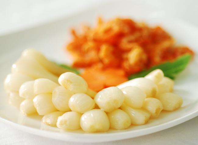 Tết ăn đồ chua phải cẩn thận những điều sau kẻo gây bệnh - Ảnh 1.