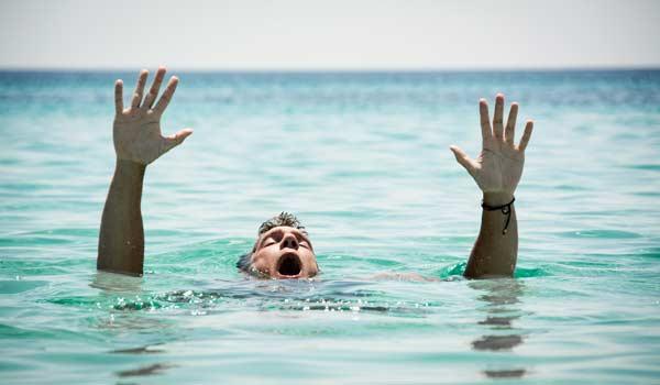 Mỗi phút có 2 người chết và những sự thật đáng giật mình bạn cần biết trước khi đi bơi - Ảnh 3.