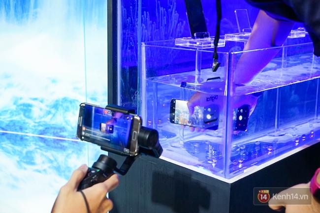 Những khoảnh khắc ấn tượng nhất diễn ra tại sự kiện ra mắt Galaxy S8 ở Việt Nam - Ảnh 8.