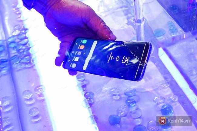 Những khoảnh khắc ấn tượng nhất diễn ra tại sự kiện ra mắt Galaxy S8 ở Việt Nam - Ảnh 6.