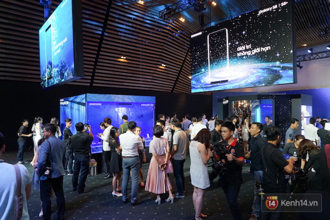 Cùng nhìn lại sự kiện ra mắt Samsung Galaxy S8 đầy thú vị và bất ngờ - Ảnh 16.
