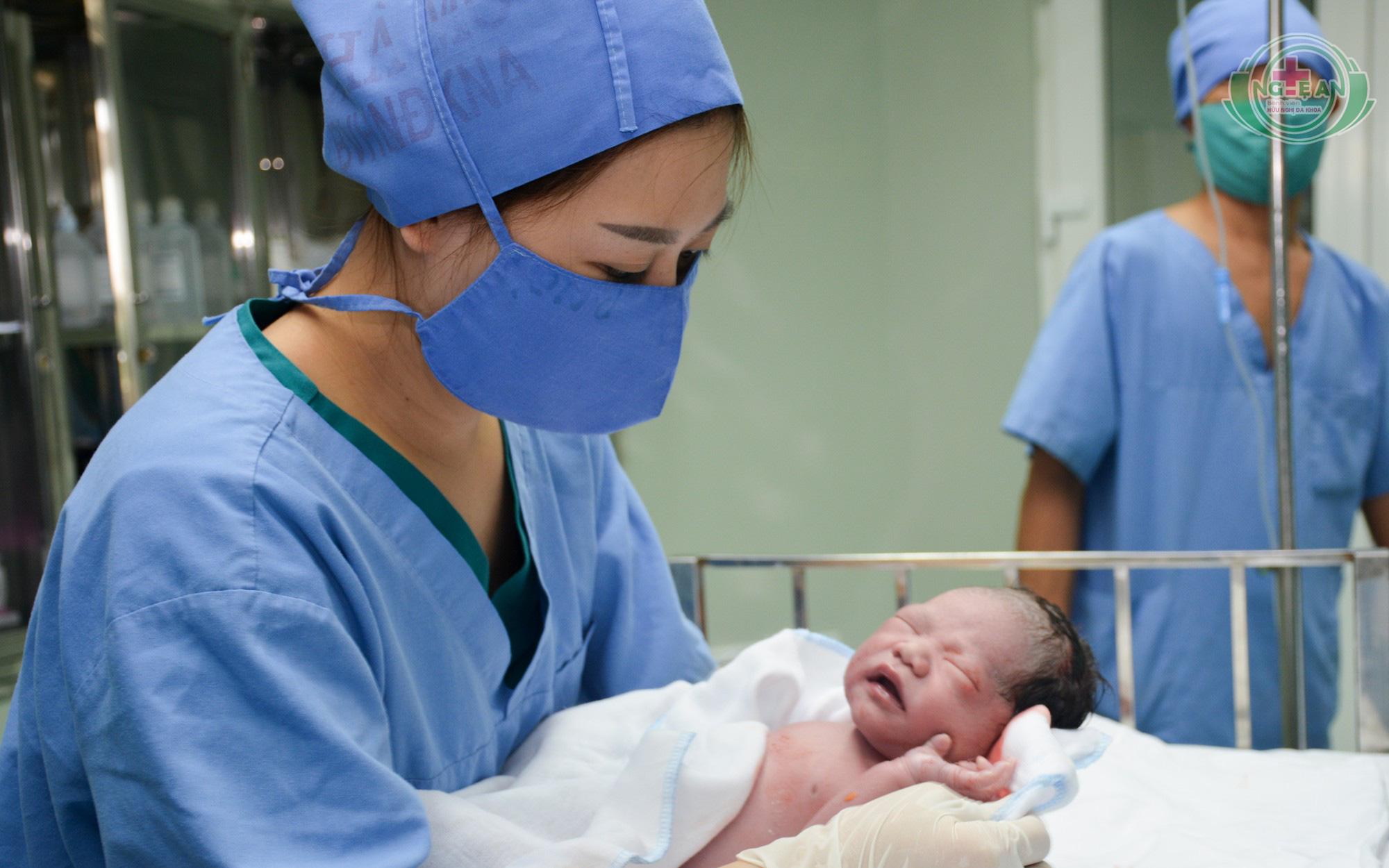 Nghệ An: Những cháu bé đầu tiên chào đời bằng phương pháp thụ tinh ống nghiệm