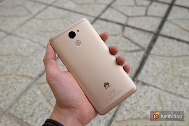 Đánh giá Huawei Y7 Prime: thiết kế khá đẹp, pin trâu, giá cả hợp lí - Ảnh 8.