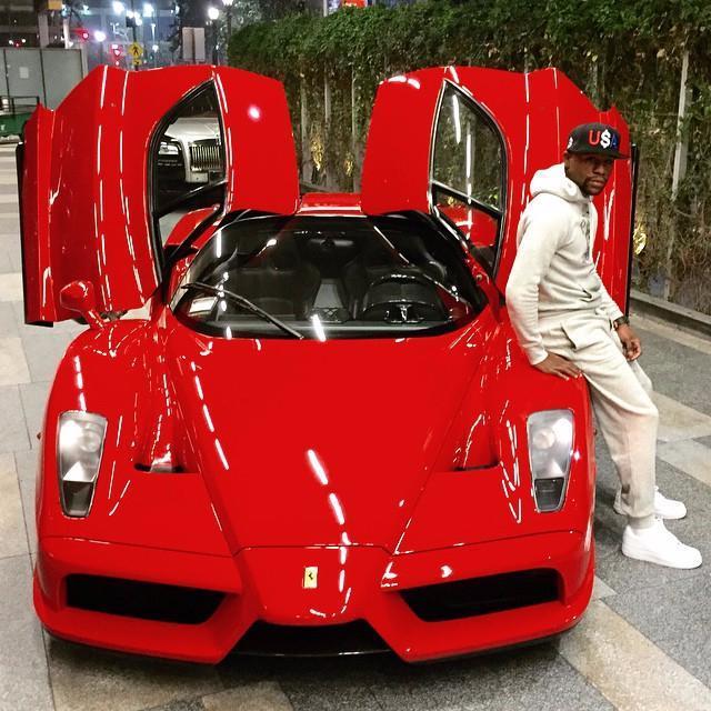 Mayweather khoe 6 siêu xe Rolls-Royce màu trắng trị giá hơn 62 tỷ đồng - Ảnh 4.