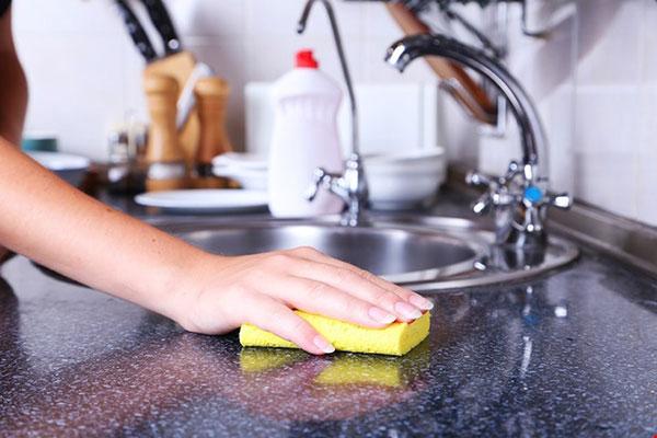 Tẩy rửa trong nhà bếp