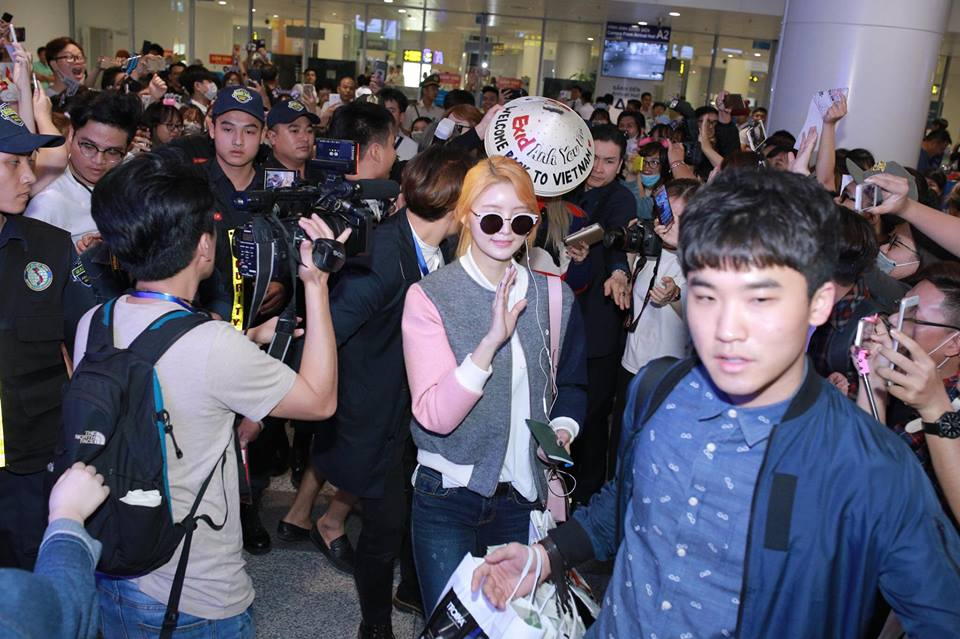 Sao Hàn: Đến Hà Nội vào nửa đêm, nhóm nhạc  EXID khiến fan Việt phát cuồng vì nhan sắc xinh không tì vết!