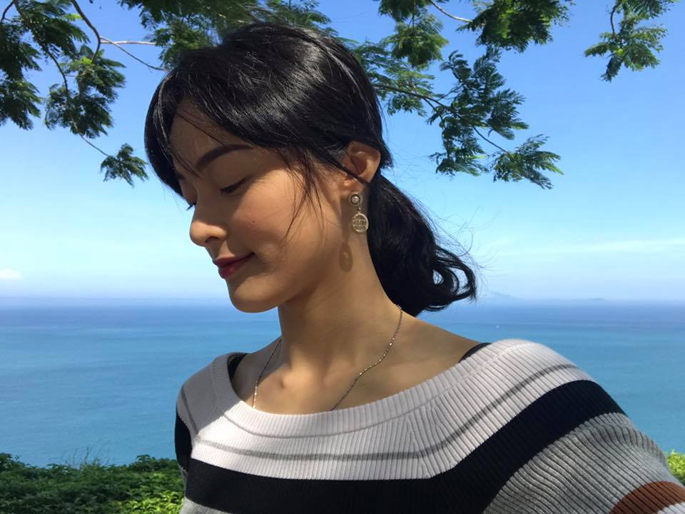 Sao Việt: Giữa thời điểm Cường Đô La thân thiết trở lại với Hà Hồ, Hạ Vi bất ngờ up ảnh cùng người đàn ông bí ẩn
