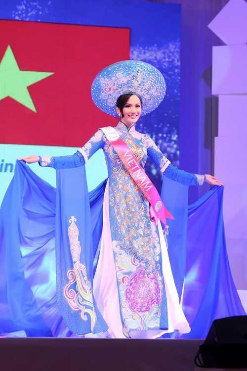 Showbiz Việt đã chứng kiến hàng loạt những trường hợp thi chui trên trường nhan sắc Quốc tế! - ảnh 4