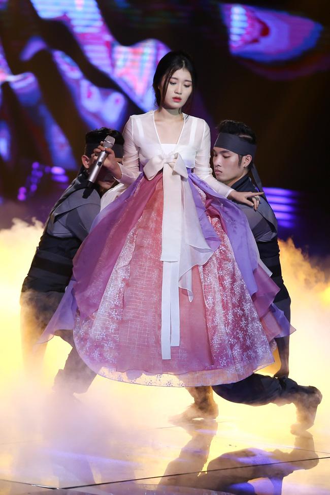 Han Sara (team Đông Nhi) lại lập kỷ lục triệu view trong chưa đầy 1 ngày! - Ảnh 2.