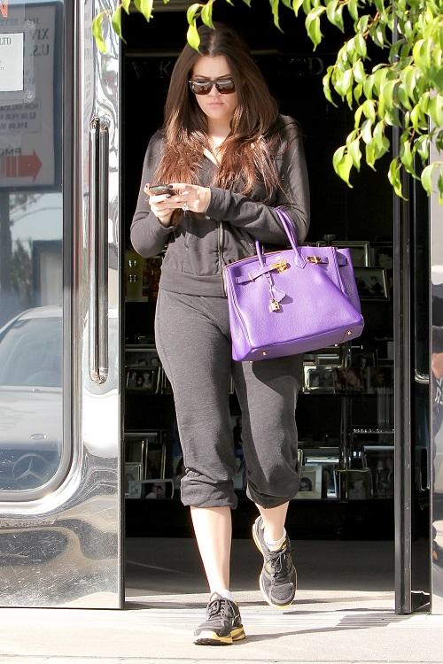 Hermes Birkin: Ngọc Trinh xách đi làm móng, nhà Kardashian thì mang đi... tập gym - Ảnh 11.