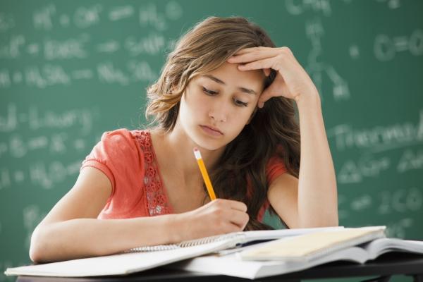 Học sinh cuối cấp kiểu gì cũng mắc phải những sai lầm này - Ảnh 1.