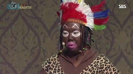 Show hài của Hàn Quốc bị chỉ trích vì lấy hình ảnh người da màu ra làm trò đùa - Ảnh 1.